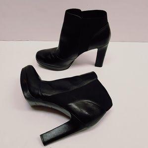 Via Spiga ankle leather booties